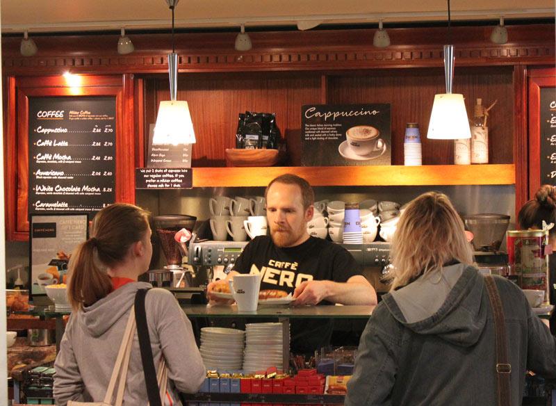 waiter-cafe-labour-market