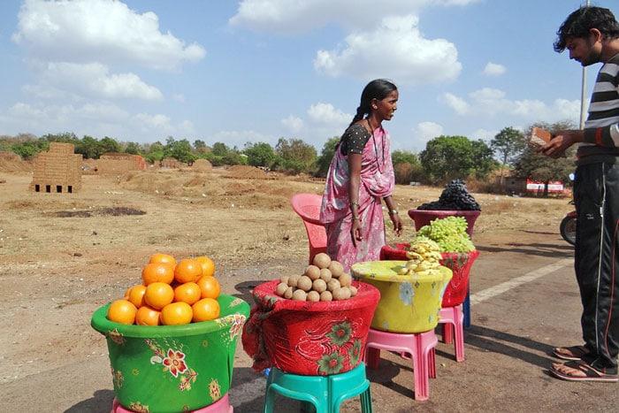 fruit-vendor-product-market
